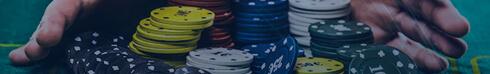 Игроки, разыгрывающие стеки с джекпотом из фишек казино